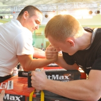 Mistrzostwa Polski 2011 - prawa reka # Siłowanie na ręce # Armwrestling # Armpower.net
