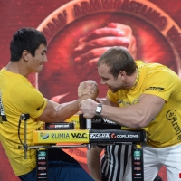 Zloty Tur 2015 by Mark Kazus - Right Hand # Armwrestling # Armpower.net